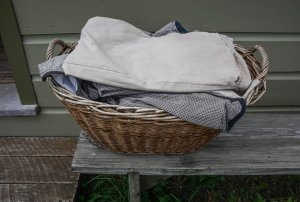 laundry-basket-1637836